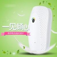 Portable Mini Dehumidifier 220V Electric Quiet Air Dryer Moisture Absorber Air Dehumidifier for Home Bathroom