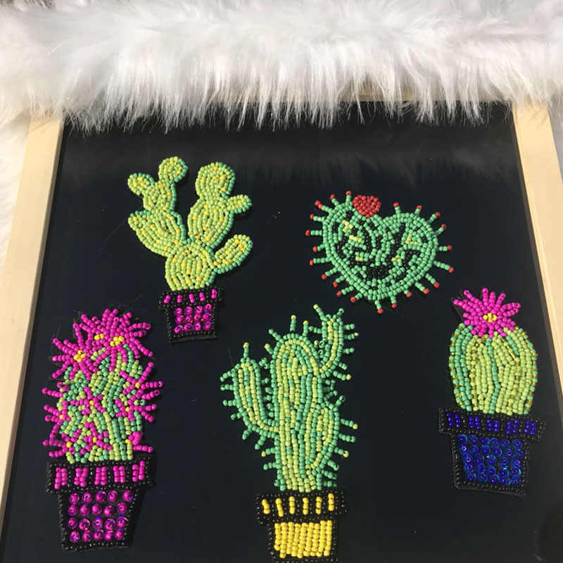 2 STKS Cactus Naai Badge bead Applique Naaien Cactus Hart Patch voor Purse Bag Kleding Stickers DIY Kleding Accessoires