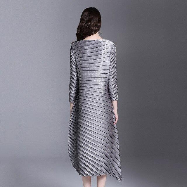 LANMREM 2019 spring New Fashion Pleats Three Quarter Sleeve Irregular Dress Female's Loose Elastic Women Clothing Vestido YE852 3