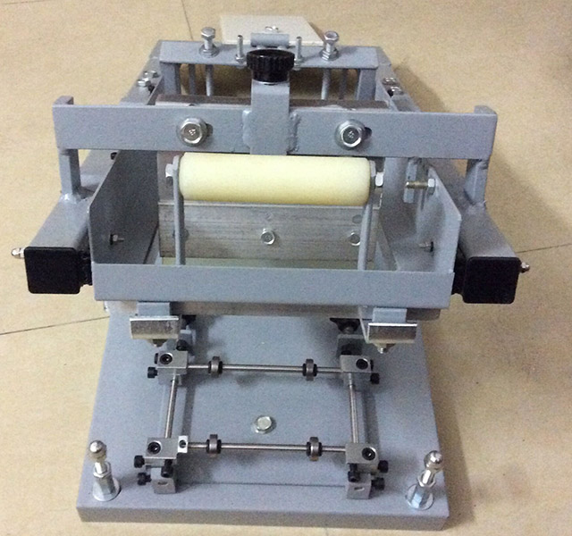 Manual Curved Surface Screen Printing Machine For Pen Bottles Or Other Round Products