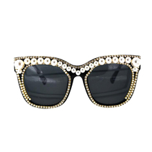 New Cat Eye crystal pearl Sunglasses Women Luxury big pearls Decoration Reflective Coating Mirrors Shades UV400 Protection