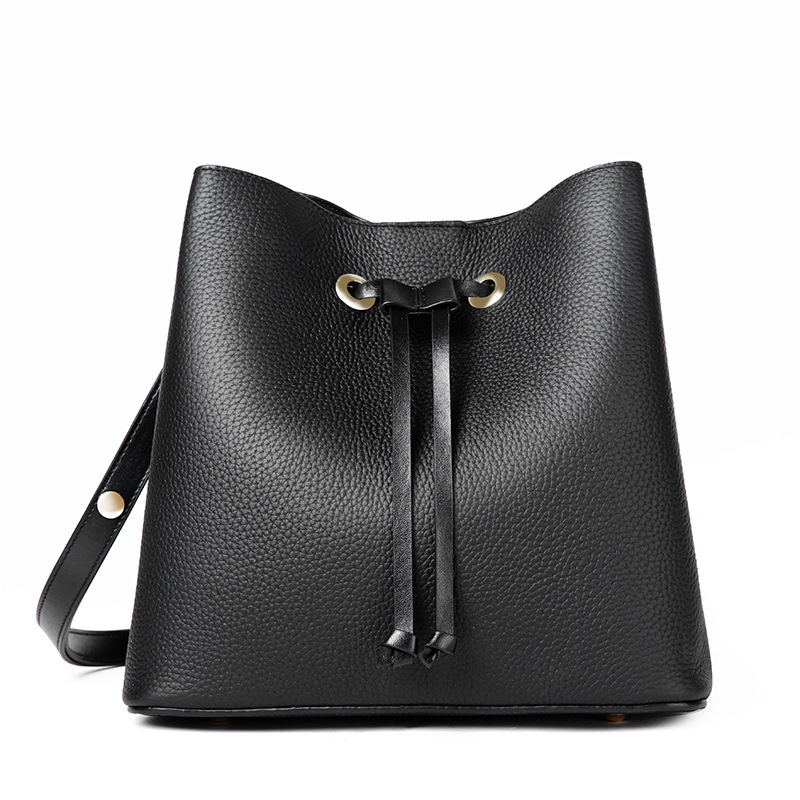 2018 Summer Bucket Bags Women Genuine Leather Handbags Female New Messenger Bag Casual Simple Fashion Leather Shoulder Bags 2017 spring and summer new women genuine leather handbags fashion litchi grain first layer of leather bags female shoulder bags