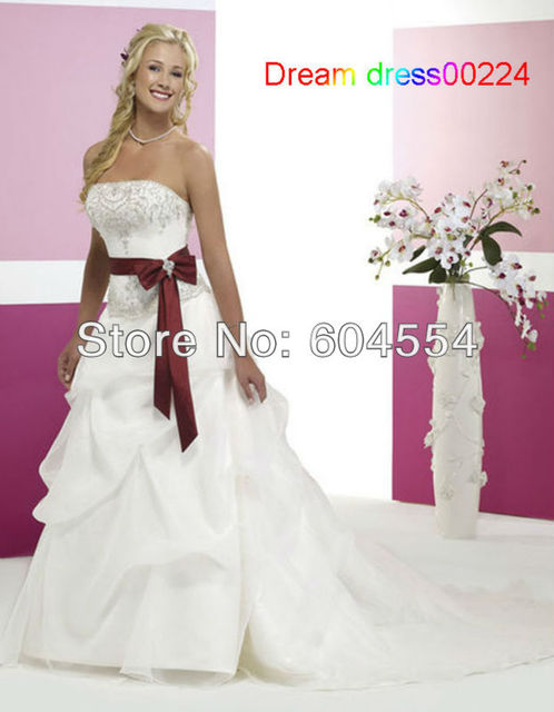Vestidos de novia con color vino