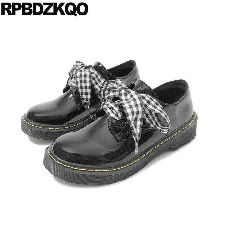 c9a17f4e4df48 US $45.26 36% OFF|Kawaii Plaid Riband Vintage Women Oxfords Shoes Patent  Leather Round Toe Black British Style Lace Up Flats Cute Japanese School-in  ...