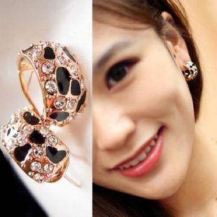 Beautiful Shiny Rhinestone Crystal Leopard Stud Earrings