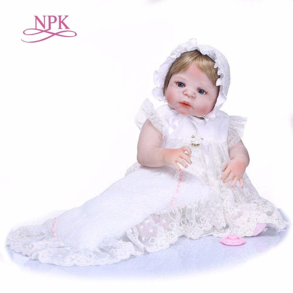 NPK 22 นิ้ว 55 เซนติเมตรซิลิโคนเด็กทารกเกิดใหม่ตุ๊กตาของเล่นที่มีคุณภาพสูงทารกแรกเกิดทารกเจ้าหญิงหิมะขาวตุ๊กตาสาววันเกิดของขวัญ-ใน ตุ๊กตา จาก ของเล่นและงานอดิเรก บน   1