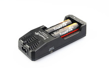 TrustFire TR-015 Li-ion 2 Slots Universal Battery Charger + 2 x TrustFire Protected 18650 3.7V 2400mAh Rechargeable Battery стоимость