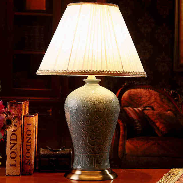 Charmant Jingdezhen Vintage Style Porcelain Ceramic Desk Table Lamps For Bedside  Chinese Blue And White Porcelain Table