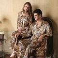 Nuevo 2016 de Primavera y Otoño Pijamas De Mujeres Pijamas Sexy Leopardo de Los Hombres de Seda del Faux ropa de Dormir Pareja Pijamas Leopard Pijama Mujeres