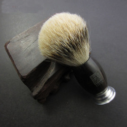 100% الأبنوس خشبية جولة مقبض تيتان الرجال الحلاقة فرشاة Silvertip عقدة شعر الغرير فرش الحلاق اللحية أدوات