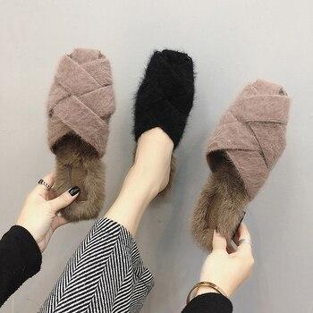 2018 брендовые меховые тапочки Для женщин кожаные сандалии на завязках на низком каблуке шлепанцы повседневные туфли на плоской подошве зимн...