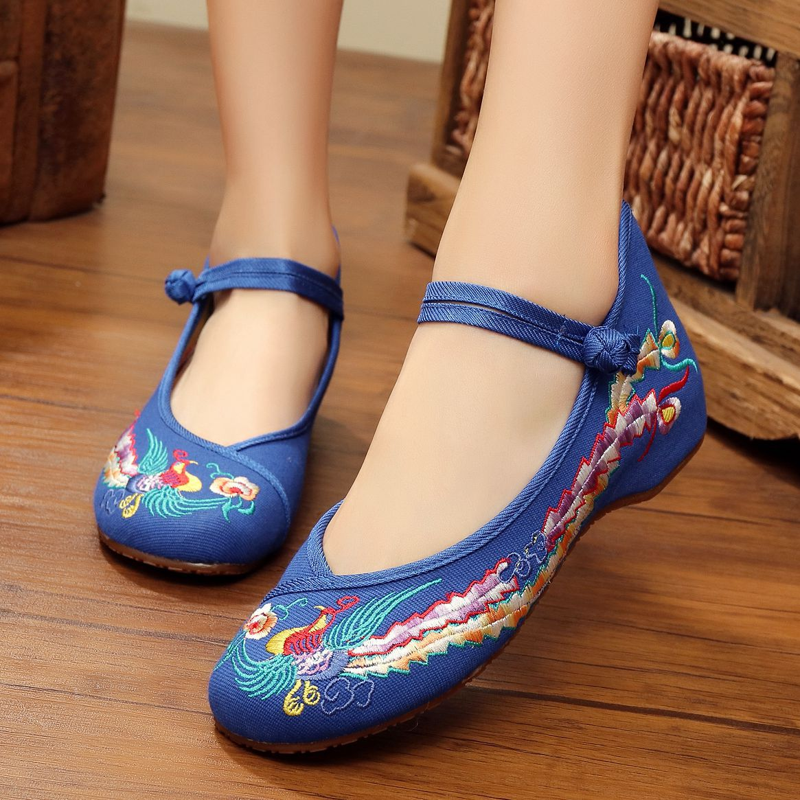 Fashion Women Shoes Old Beijing Mary Jane Flats With Casual Shoes Chinese Style Embroidered Cloth shoes woman Plus Size 057 peacock embroidery women shoes old peking mary jane flat heel denim flats soft sole women dance casual shoes height increase
