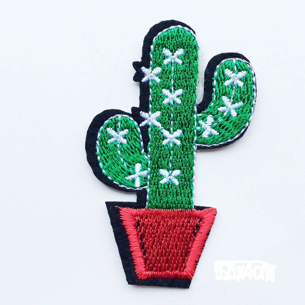 1Pcs Cactus Plant Patch for Clothing Iron on Embroidered Sew Applique Cute Patch Fabric Badge Garment DIY Apparel Accessories
