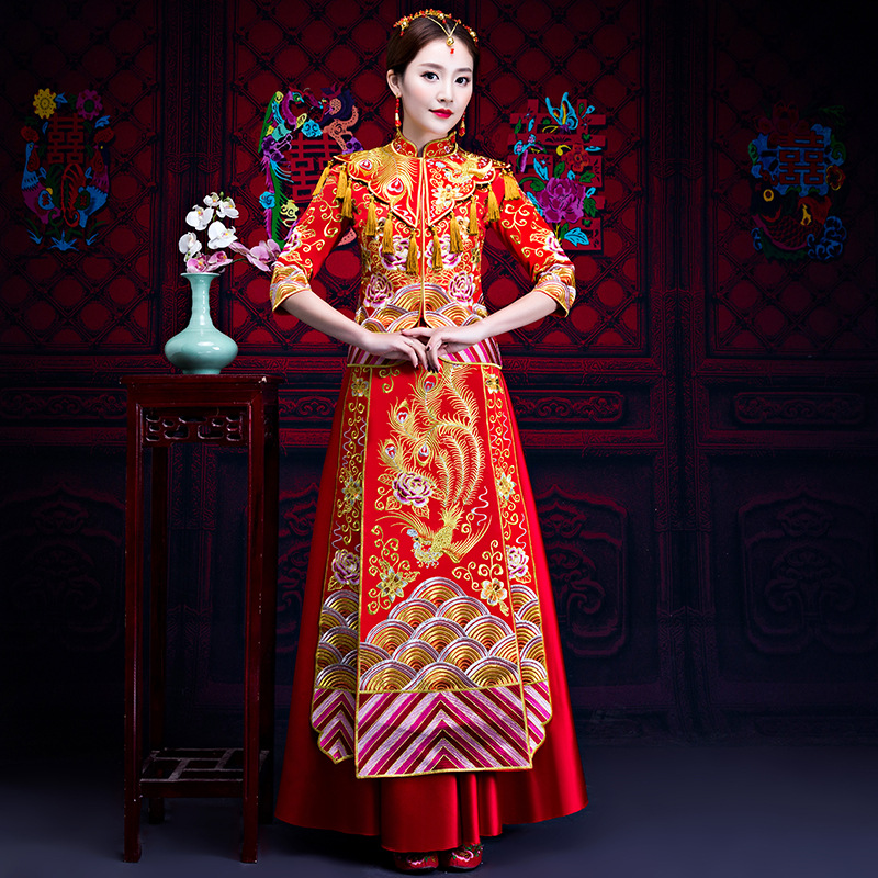 Style chinois spectacle Costume 2018 dragon robe de soirée robe mariée mariée cheongsam robe Su broderie chine Couple mariage