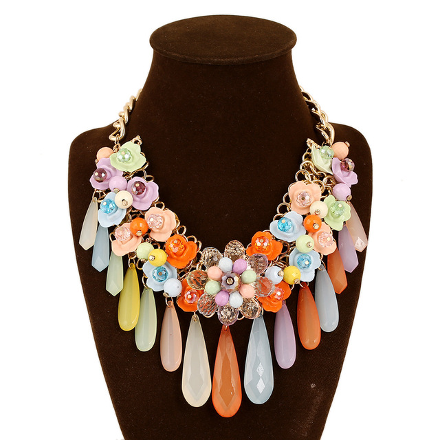 2016 new pop candy colored water fringed lady Collar Necklace wedding party Trendy Link Chain Colorful Necklace Fashion Design