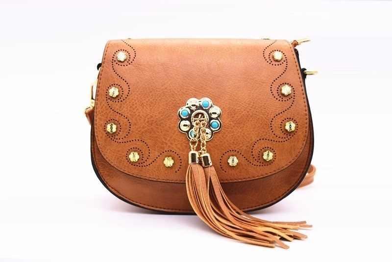 Новая модная женская сумка из искусственной кожи с заклепками, сумочка с кисточками для девочек, сумки через плечо, Дамский клатч, маленький кошелек, сумки-мессенджеры