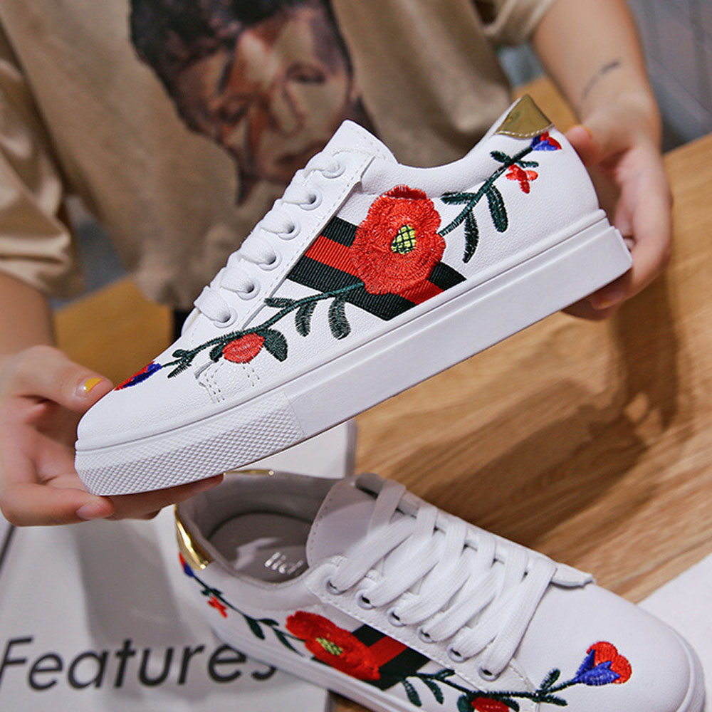 New Style Casual Tenis White Shoes PU Shoes Women 2018 Spring Chinese Comfortable Shoes Embroidered Students Flat new women chinese traditional embroidered shoes f002