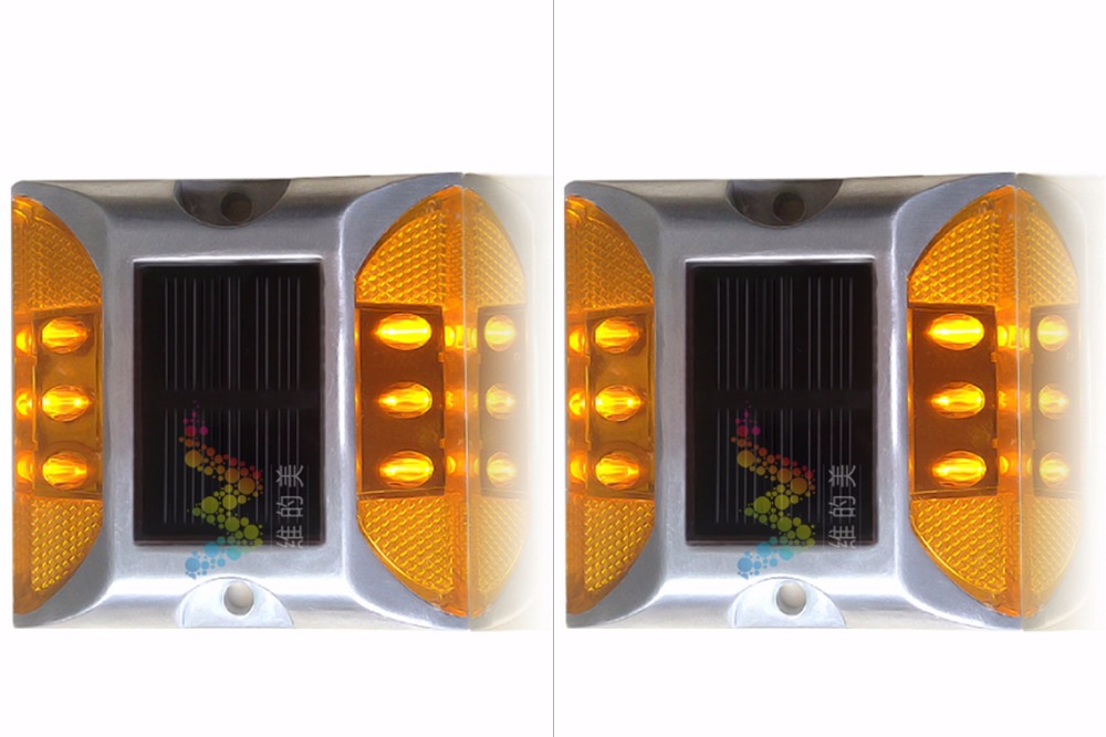 2X Solar Powered LED Road Stud Amber Road Flashing Light One Pack