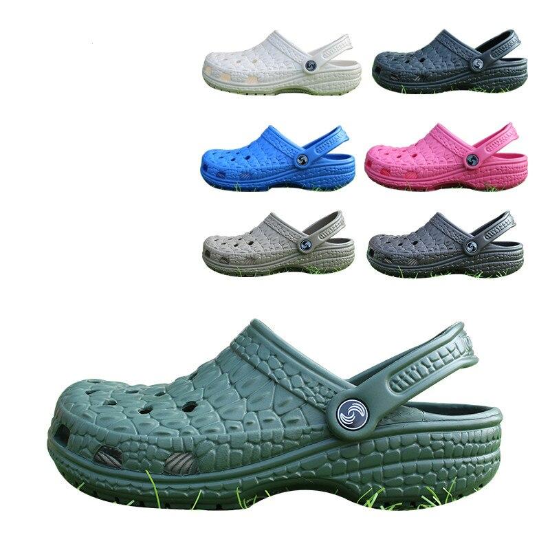 Slip on Casual Garden Man Clogs Waterproof Shoes Men Classic Nursing Clogs Hospital Men Work Medical Sandals Big Size