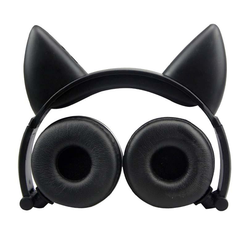 E0669-Cat headphones-1 (3)