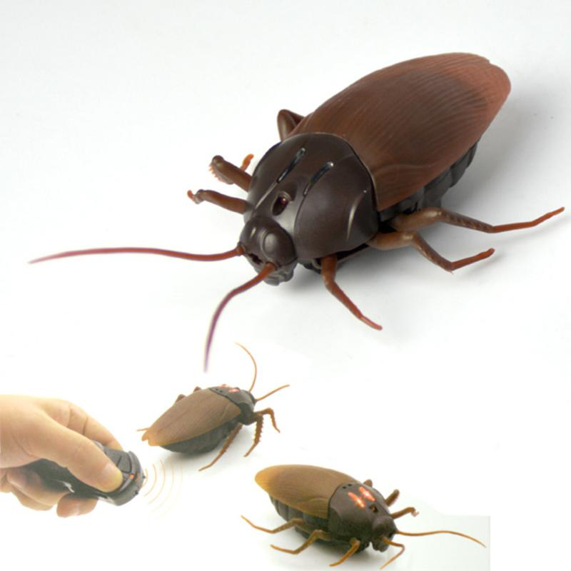 Plastic RC Simulation Creepy Cockroach Toy Funny Adult Prank Toy Realistic Infrared Insects Joke Toys Kids Toy Halloween Gifts