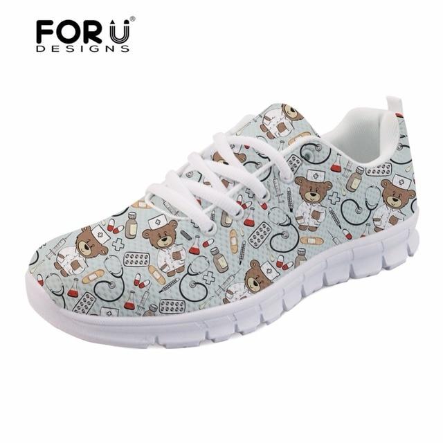 4f1cc43adc0de FORUDESIGNS 2018 chaude pédiatrie infirmière imprime confortable à lacets  chaussures plates pour les femmes mignon soins