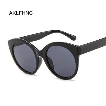 Sexy Cat Eye okulary przeciwsłoneczne damskie marka projektant lustrzane okulary przeciwłoneczne panie okrągłe obiektywy odcienie dla okulary damskie UV400 tanie i dobre opinie Lustro Antyrefleksyjną Z tworzywa sztucznego Kobiety Dla dorosłych Żywica 51mm 52mm AKLFHNC