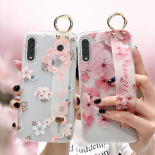 цена flower tpu case for samsung galaxy A20 30 50 70 60 M20 S10 S8 S9 plus note 8 9 case cover wristband holder soft phone bag capa