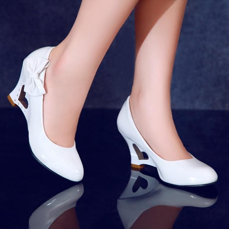 Mariée lavande 2018 À Sexy Blanc Chaussures Bouche Au Nouvelle jaune Noir Mariage Coins Et Lady Talons Printemps Automne De Lumière blanc Femmes Hauts qRrR8w