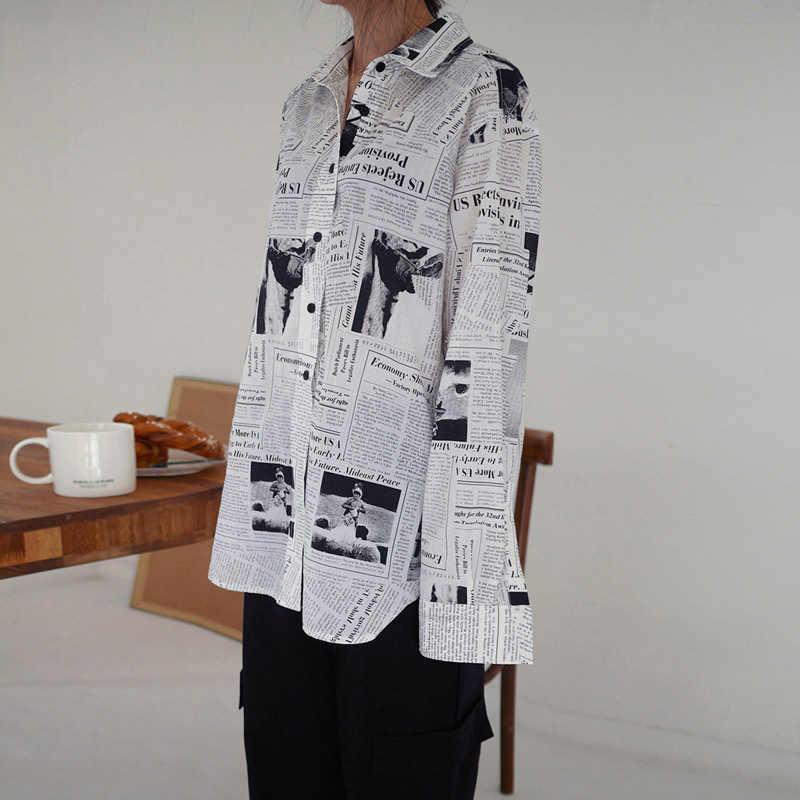 Wkoud ملابس/2019 موضة جديدة كم طويل أبيض وأسود رسالة صحيفة طباعة فضفاضة قميص غير رسمي المرأة بلوزة Z273