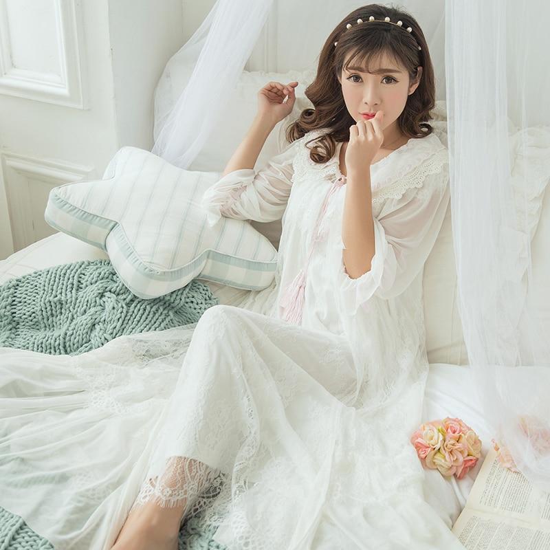 Princess Lace Long Sleeping Dress Female Sweet White Black Robes+Nightdress Two Piece Vintage Royal Women Sleepwear SA16055