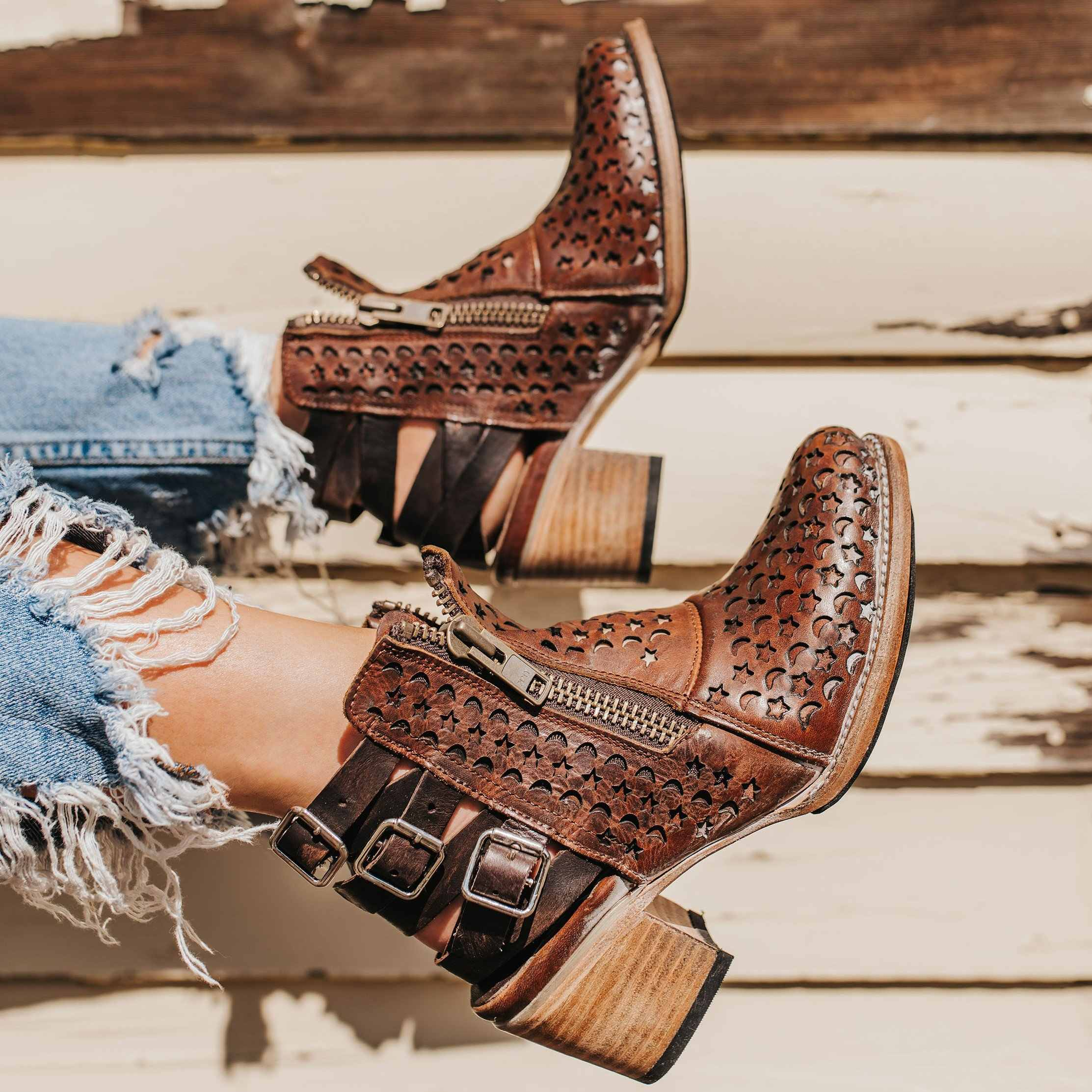 Oeak/ботинки с пряжкой; женские ботинки на молнии с острым носком; Ретро Модный тренд; комплект повседневной обуви без шнуровки; Мода 2019 года