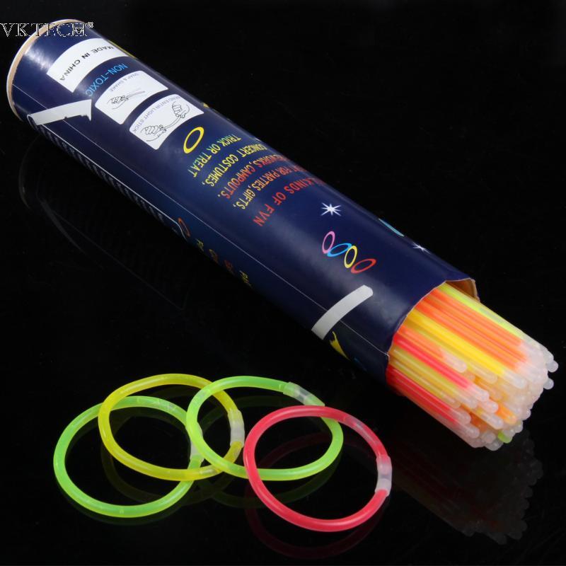 100 pzas piezas. Multi-Color Glow Stick festiva fluorescente collar pulseras luz segura Stick para eventos fiesta concierto decoración suministros