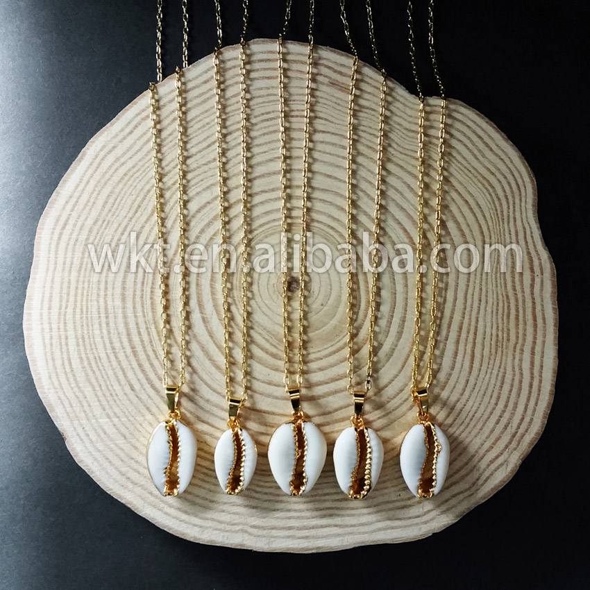 WT N493 Wholesale Natural Cowrie Shell Tiny Pendant in Gold Trim Necklace Unique Design Fashion Cowrie