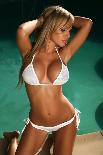 Sexy Blonde Teen In Bikini
