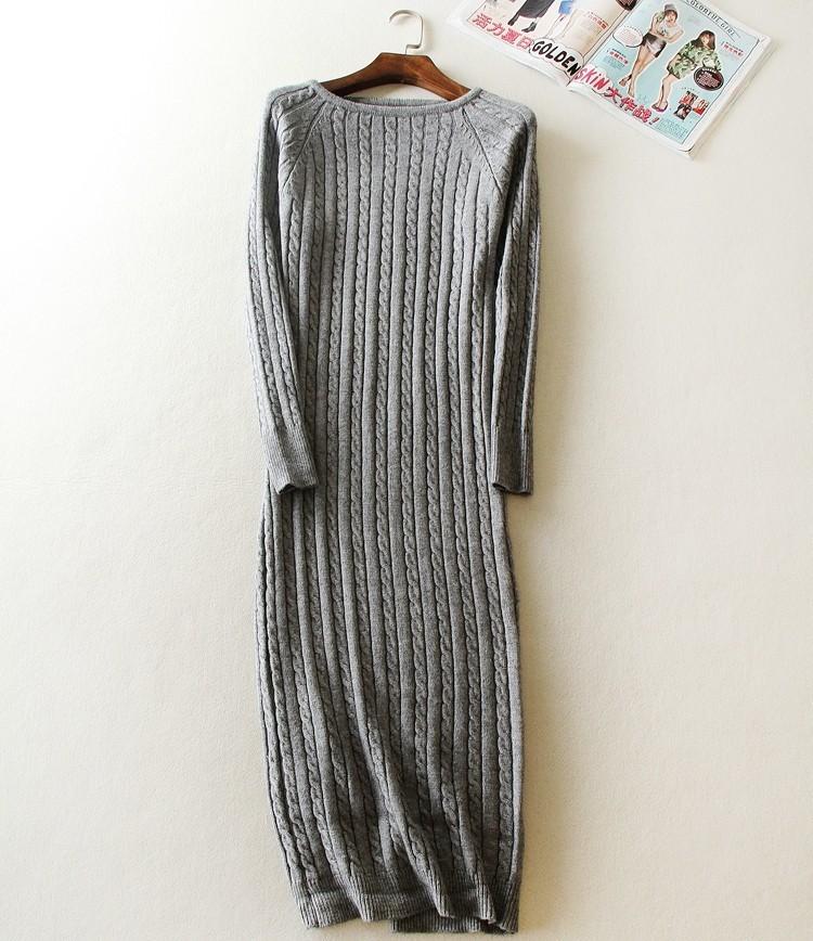 Lõhikuga villane kleit