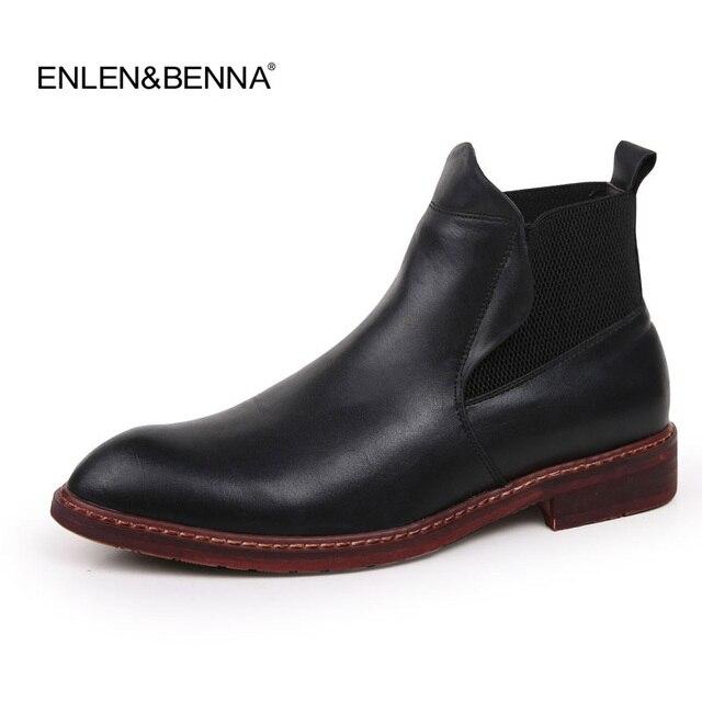 2018 İlkbahar/Kış erkek Chelsea Boots, İngiliz Tarzı Moda yarım çizmeler, siyah/Kahverengi Brogues Yumuşak Deri rahat ayakkabılar Elbise