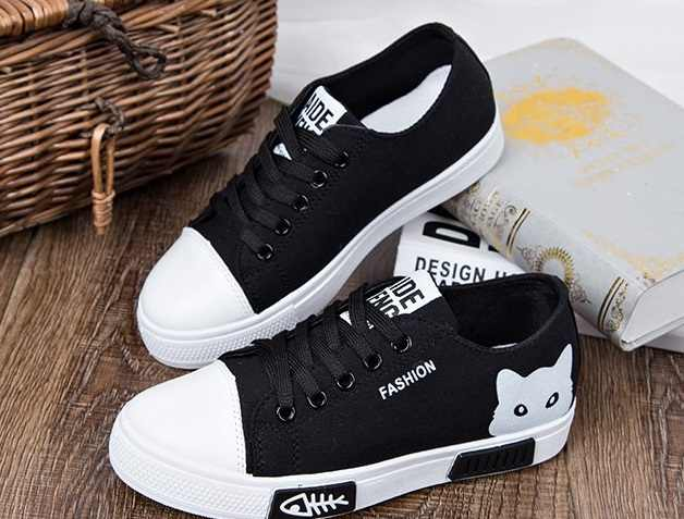 96dcbd5d543 ... 2018 Summer female Shoes Lace Up Casual Board Shoes Women Sneakers  Cartoon Women Canvas Shoes Fashion ...