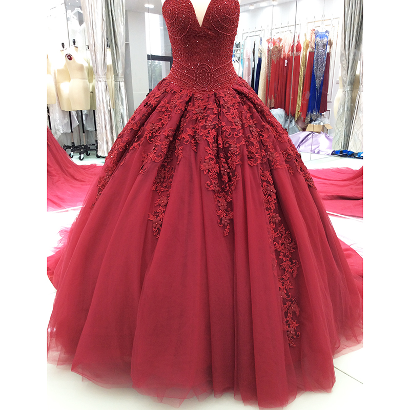 Luxury Princess Wedding Dress 2019 Ball Gown Sweetheart Beads Crystal Lace with Long Train Burgundy Bride Dress Bridal Gown