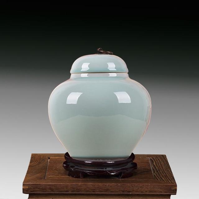 Jingdezhen Ceramic Antique Porcelain Temple Jar Wholesale Vase