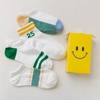 OLN ANO 11-19 donne di modo di marca di modo 23 strisce calzini della barca del cotone delle signore calzini femminili calzini bassi 4 paia/scatola