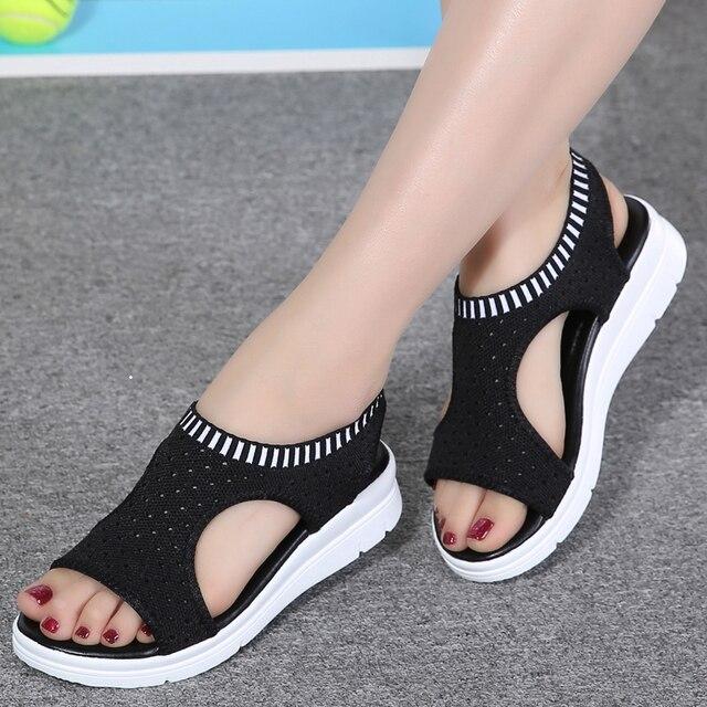 Новинка; Модные женские босоножки; Новые Летние босоножки на платформе; дышащая удобная женская прогулочная обувь; цвет белый, черный
