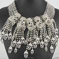 Ожерелье последним ручной мода ювелирных изделий серый / белый горный хрусталь скелет череп подвески биб себе женщины колье s Q972 1014