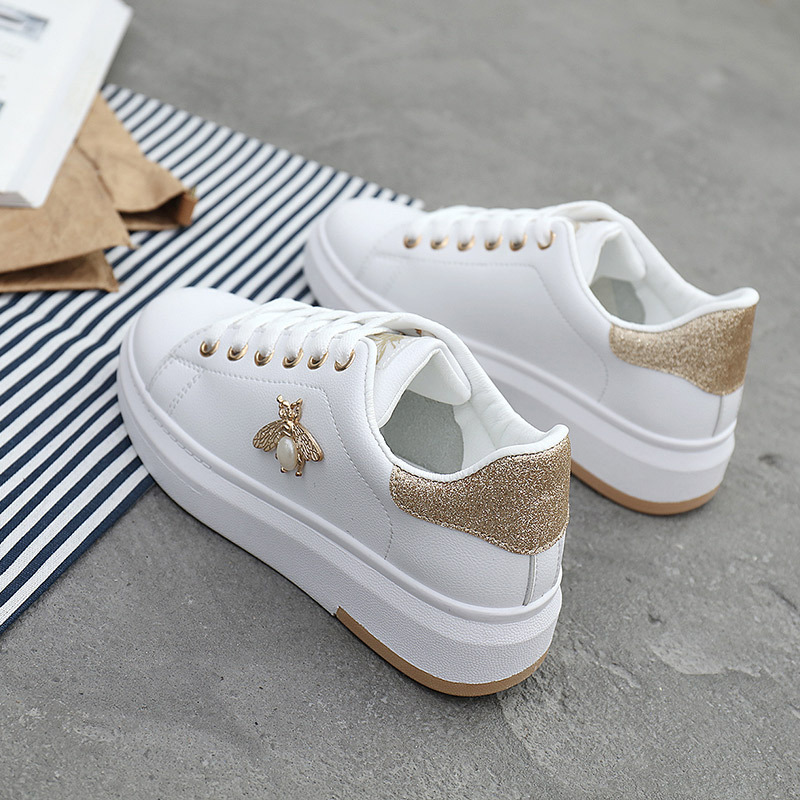 Women Casual Shoes 2018 New Women Sneakers Fashion Breathable PU Leather Platform White Women Shoes Soft Footwears Rhinestone