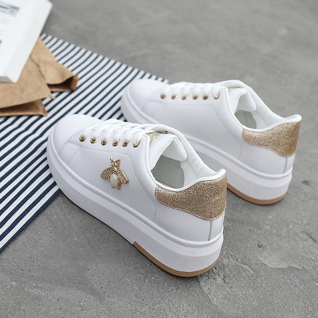 여성 캐주얼 신발 2020 새로운 여성 스 니 커 즈 패션 통기성 PU 가죽 플랫폼 화이트 여성 신발 부드러운 신발 라인 석