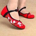 Nova Chegada Do Vintage Velho Pequim Chinês Sapatos de Salto Liso das Mulheres Com Flor Bordado Macio E Confortável Sapatas de Lona Tamanho 35-40