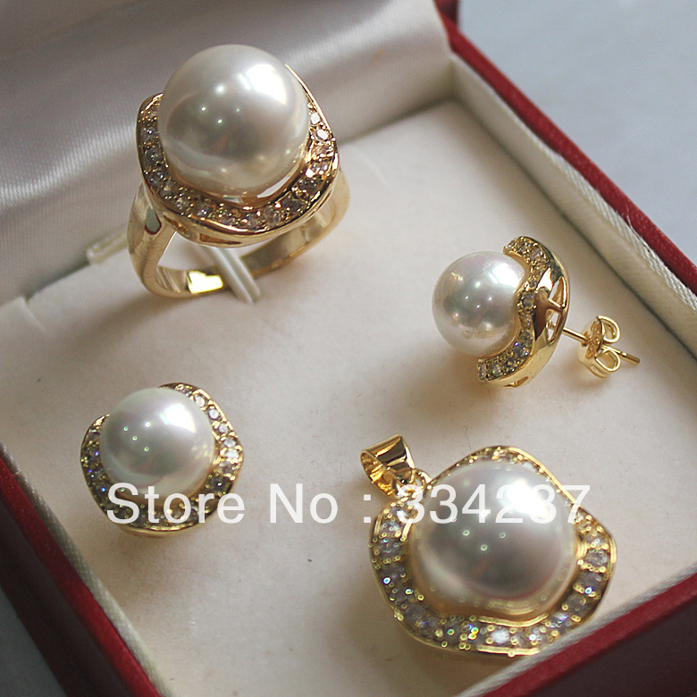 New ListedFree shipping White South Sea Shell Pearl Ring