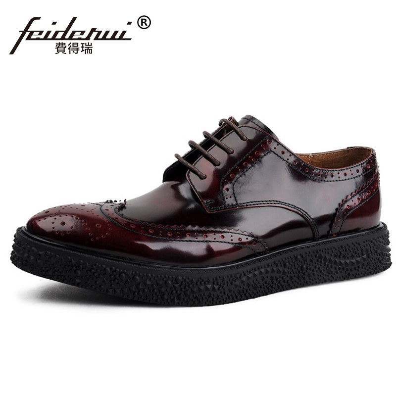 British Flat Platform Brand Man Carved Formal Dress Shoes Vintage Patent Leather Cow Round Men s