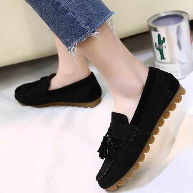 188be0fac3ab COOTELILI Slip On Rubber Shoes For Women Comfortable Soft FLat Shoes Ladies  Loafers Autumn 2018 Tassel Women Flats 35-40