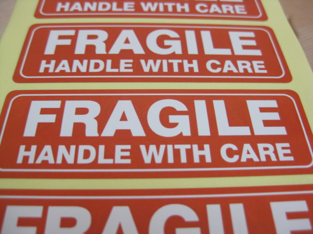 76x25mm FRAGILE HANDLE WITH CARE Self adhesive Shipping Label Sticker 4000pcs Item No SS16